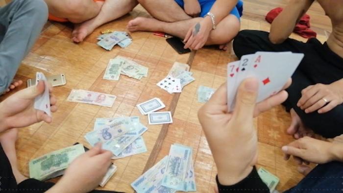 Hiện nay diễn biến của tệ nạn cờ bạc tại các KCN ngày càng có xu hướng tăng nhanh