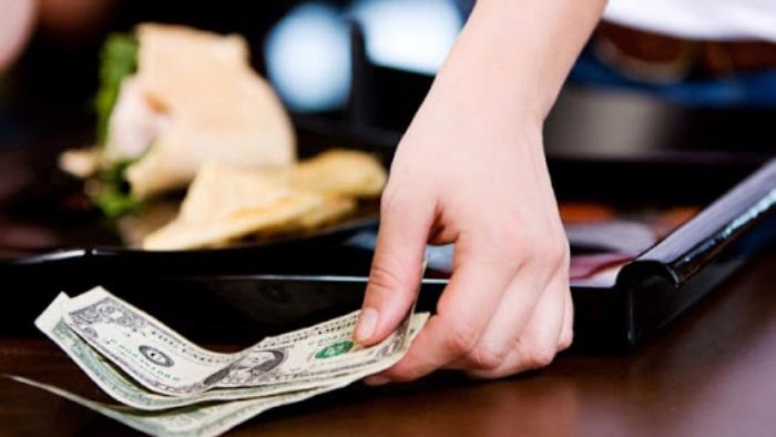 Nhiều người thắc mắc tiền tip là gì trong casino