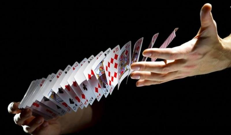 Trong quá trình chơi bài bạn cần phải đặc biệt quan tâm cũng như chú ý đến quân 2 (heo)