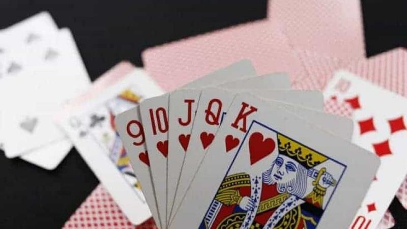 Thua cóng là khi ván bài đã kết thúc nhưng trên tay bạn vẫn còn nguyên 13 lá bài